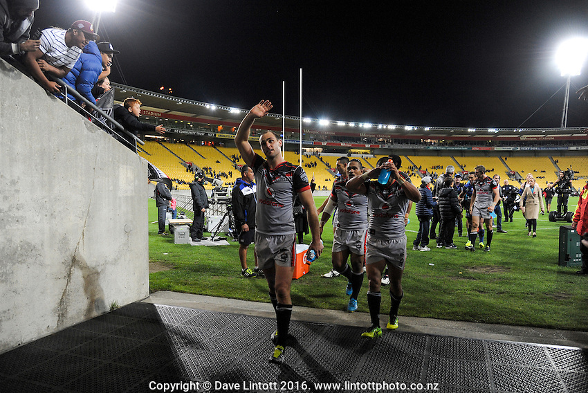 Simon Mannering thanks fans after the NRL Premiership round seven match between the NZ Warriors and Canterbury Bulldogs at Westpac Stadium, Wellington, New Zealand on Saturday, 16 April 2016. Photo: Dave Lintott / lintottphoto.co.nz
