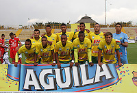 BOGOTÁ -COLOMBIA-28-ABRIL-2016.Formación del Huila contra Fortaleza FC durante partido por la fecha 15 de Liga Águila I 2016 jugado en el estadio Metropolitano de Techo de Bogotá./ Team  of Huila against Fortaleza FC during the match for the date 15 of the Aguila League I 2016 played at Metroplitano de Techo stadium in Bogota. Photo: VizzorImage / Felipe Caicedo / Staff