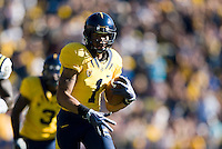 September 4, 2010:  Marvin Jones of California runs down to the end zone for a touchdown during a game against UCLA at Memorial Stadium in Berkeley, California.   California defeated UCLA 35-7