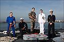 officiers-&eacute;l&egrave;ves - les &laquo; OE &raquo; dans le jargon<br /> Enseigne de vaisseau Vincent Dubreuil.<br /> Enseigne de vaisseau Max Sieyoji.<br /> Enseigne de vaisseau Julien Petitqueux.<br /> Enseigne de vaisseau Nicolas Santens.<br /> Enseigne de vaisseau Laurent Falhun.