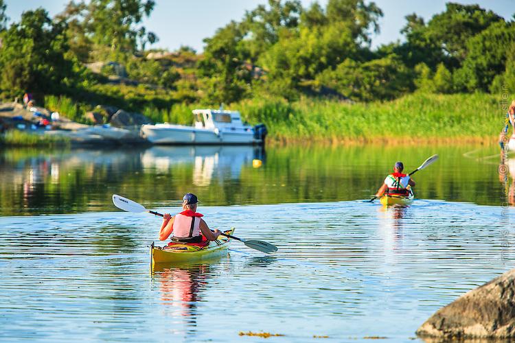 Kajaker i Stockholms skärgård. / Kayaks in the Stockholm archipelago Sweden.