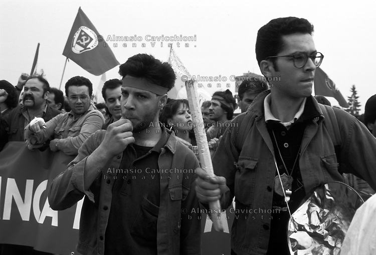 1993, Protesta dei lavoratori della Lancia di Chivasso contro la chiusura della fabbrica<br /> 1993 Protest of the workers of Lancia of Chivasso against the closure of the factory