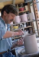 Europe/Suisse/Saanenland/Saanen: Fabrication des poteries de montagne - AUTO N°317