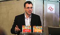 SAO PAULO, SP, 11 DE JUNHO 2013 - PELE - O jornalista Mauro Beting durante lancamento do projeto brasil um pais um mundo chancelado pelo plano de promoção do Brasil na Copa de 2014 no Estadio do Morumbi regiao sul da cidade de São Paulo na manha desta terça-feira, 11. FOTO: WILLIAM VOLCOV - BRAZIL PHOTO PRESS.