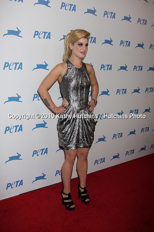 LOS ANGELES - SEP 25:  Kelly Osbourne arrives at the PETA 30th Anniversary Gala at Hollywood Palladium on September 25, 2010 in Los Angeles, CA