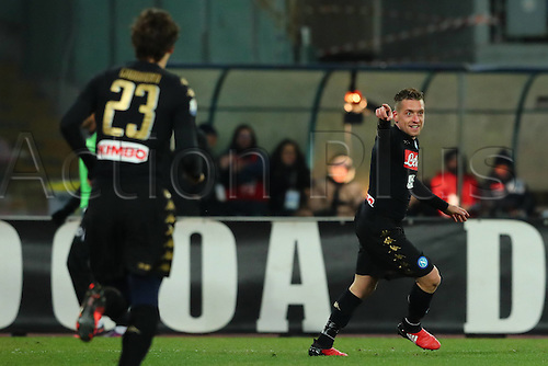 10.01.2017. Stadio San Paolo, Naples, Italy. Coppa Italia Round of 16, Napoli versus Spezia. Emanuele Giaccherini celebrates his goal in the 56th minute which made it 2-1. Napoli won the game 3-1.