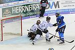 Brett Olson (Nr.16, ERC Ingolstadt) trifft zum 5:0. Torwart Andreas Jenike (Nr.29, Thomas Sabo Ice Tigers), Patrick Koeppchen (Nr.5, Thomas Sabo Ice Tigers) beim Spiel in der DEL, ERC Ingolstadt (blau) - Nuernberg Ice Tigers (weiss).<br /> <br /> Foto &copy; PIX-Sportfotos *** Foto ist honorarpflichtig! *** Auf Anfrage in hoeherer Qualitaet/Aufloesung. Belegexemplar erbeten. Veroeffentlichung ausschliesslich fuer journalistisch-publizistische Zwecke. For editorial use only.
