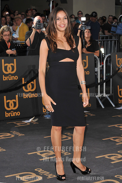 """Rosario Dawson at the Los Angeles premiere of  """"Brüno"""" at Grauman's Chinese Theatre, Hollywood..June 25, 2009  Los Angeles, CA.Picture: Paul Smith / Featureflash"""