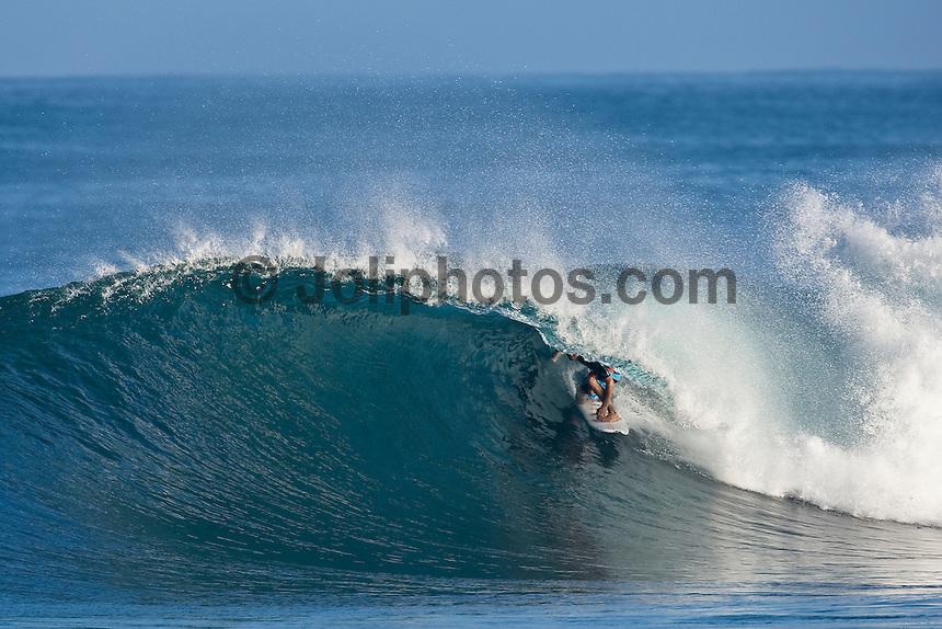 JOEL PARKINSON (AUS) Off The Wall-Backdoor, North Shore of Oahu, Hawaii. Photo: joliphotos.com