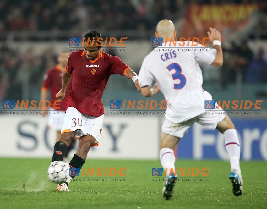 Amantino Mancini (Roma) Cris (Olympique Lyonnais)<br /> Champions League 2006-2007<br /> 21 Feb 2007 (First knockout round)<br /> Roma - Olympique Lyonnaise (0-0)<br /> &quot;Olimpico&quot; Stadium - Roma - Italy<br /> Photographer: Andrea Staccioli Inside Roma Olympique Lyon