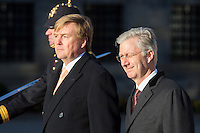 Le roi Willem-Alexander des Pays-Bas &amp; le roi Philippe de Belgique - Le roi Philippe de Belgique et la reine Mathilde de Belgique en visite d'&eacute;tat aux Pays-Bas, lors d'une c&eacute;r&eacute;monie d'accueil officiel avec le roi Willem-Alexander des Pays-Bas et la reine Maxima des Pays-Bas .<br /> Pays-Bas, Amsterdam, 28 novembre 2016.<br /> King Philippe of Belgium and Queen Mathilde of Belgium on a State Visit to The Netherlands, during the official welcoming ceremony with King Willem-Alexander of The Netherlands and Queen Maxima of The Netherlands.<br /> Netherlands, Amsterdam, 28 November 2016.