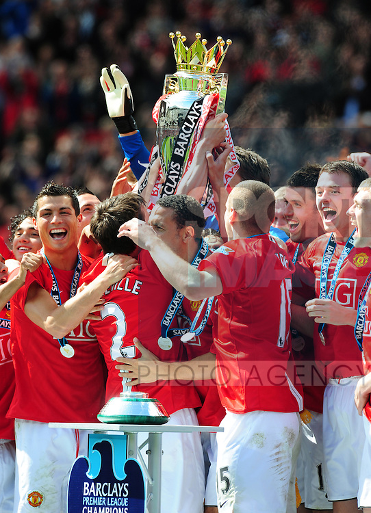 Manchester United celebrates winning the Barclays Premier League