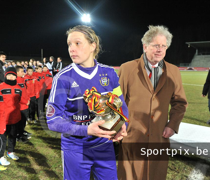 Waasland Beveren Sinaai Girls - RSC Anderlecht : Marc Lesenfants , Sophie Mannaert .foto DAVID CATRY / Nikonpro.be