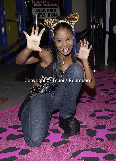 """Shar Jackson  arriving at the premiere of """" Josie and the PussyCats"""" at the Galaxie Theatre in Los Angeles  4/9/2001  © Tsuni          -            JacksonShar27.jpg"""