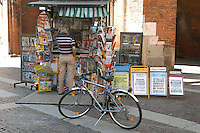 - newspaper stand in historical downtown..- edicola in centro storico