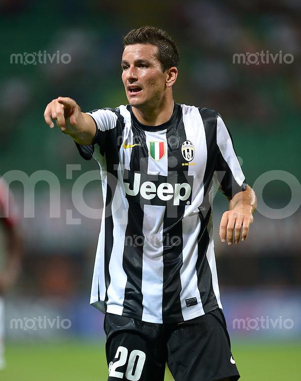 FUSSBALL INTERNATIONAL   SERIE A   SAISON 2012/2013    Trofeo Berlusconi: AC Mailand - Juventus Turin  19.08.2012 Simone Padoin (Juventus Turin)