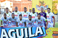 MEDELLIN -COLOMBIA, 09-07-2016. Formación del Huila contra Envigado.Acción de juego entre el Envigado y el Huila durante encuentro  por la fecha 2 de la Liga Aguila II 2016 disputado en el estadio Polideportivo Sur ./ Team of Huila against Envigado. Actions game between Envigado and   Huila    during match for the date 2 of the Aguila League II 2016 played at Polideportivo  Sur stadium . Photo:VizzorImage / León Monsalve   / Contribuidor
