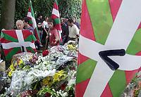 Burial of ETA member Olaia Kastresana in the cemetery of San Sebastian, 30th July 2001..Photo: Ander Gillenea.