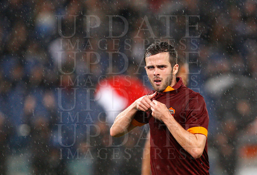Calcio, Serie A: Roma vs Inter. Roma, stadio Olimpico, 30 novembre 2014.<br /> Roma&rsquo;s Miralem Pjanic celebrates after scoring during the Italian Serie A football match between AS Roma and FC Inter at Rome's Olympic stadium, 30 November 2014.<br /> UPDATE IMAGES PRESS/Riccardo De Luca