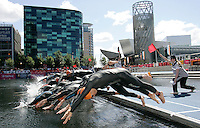 29 JUL 2007 - SALFORD, UK - Elite mens wave start - Salford ITU World Cup Triathlon. (PHOTO (C) NIGEL FARROW)