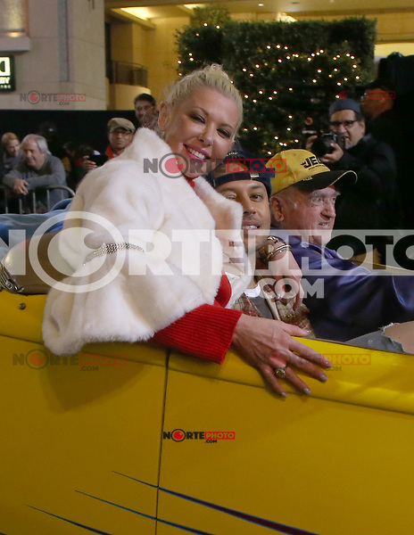 HOLLYWOOD, CA - NOVEMBER 26: Tara Reid, Ted Dhanik, at 86th Annual Hollywood Christmas Parade at Hollywood Blvd in Hollywood, California on November 26, 2017. Credit: Faye Sadou/MediaPunch /NortePhoto NORTEPHOTOMEXICO