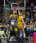 13.04.2019, EWE Arena, Oldenburg, GER, easy Credit-BBL, EWE Baskets Oldenburg vs medi Bayreuth, im Bild<br /> leichte Punkte<br /> Nathan BOOTHE (EWE Baskets Oldenburg #45 ) De`Mon BROOKS (medi Bayreuth #24 ) Bastian DORETH (medi Bayreuth #10 )<br /> Foto &copy; nordphoto / Rojahn