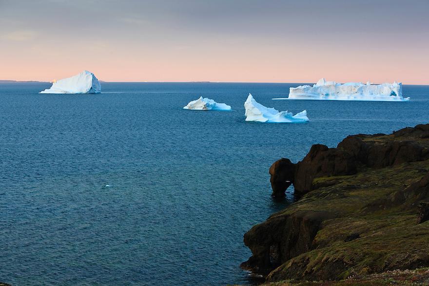 Greenland; diskobay; iceberg; qeqertarsuaq; sunrise