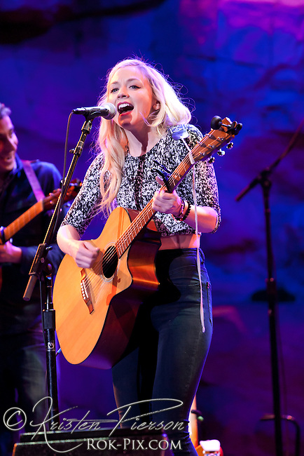 Emily Kinney performs at Mohegan Sun Wolf Den on February 26, 2015.