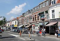 Winkelstraat in de wijk Lombok in Utrecht. Kanaalstraat