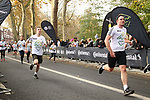 2019-11-17 Fulham 10k 079 SB Finish rem