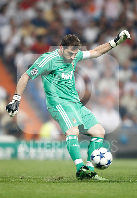 Real Madrid's Iker Casillas during Champions League match. September 15, 2010. (ALTERPHOTOS/Alvaro Hernandez)
