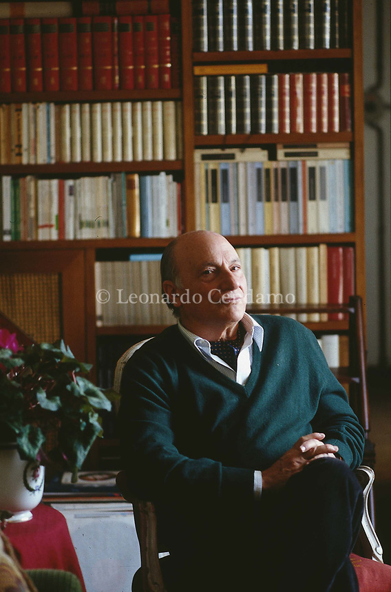 Raffaele La Capria (born 8 October 1922) is an Italian novelist and screenwriter, known especially for the three novels which were collected. Rome 23 marzo 1993. © Leonardo Cendamo