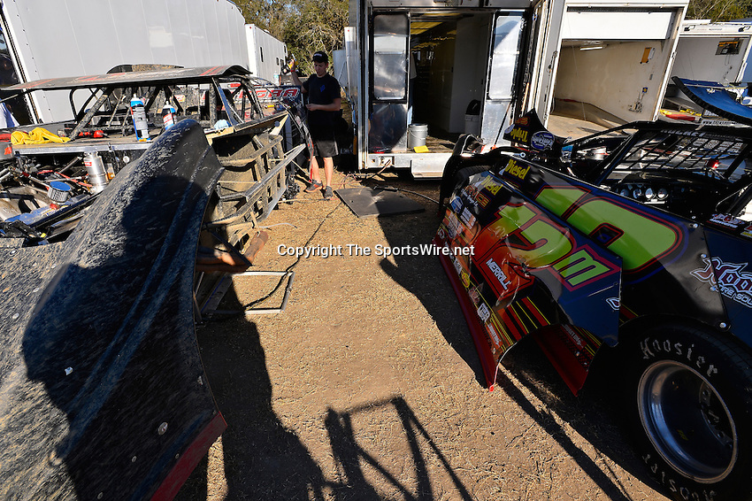 Feb 17, 2014; 4:36:46 PM;  Barberville, FL, USA;  World of Outlaws Late Model Series for 43rd Annual DIRTcar Nationals presented by Summit Racing Equipment at Volusia Speedway Park.  Mandatory Credit: (thesportswire.net)