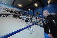 SKIEN: JOURE: 20-11-2013, Indoorskiën Skischool Swing, Eigenaar Rob Spaanstra, ©foto Martin de Jong