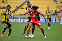 Carlos Hernandez and Osama Malik during the A League - Wellington Phoenix v Adelaide United, Wellington, New Zealand on Sunday 30 March 2014. <br /> Photo by Masanori Udagawa. <br /> www.photowellington.photoshelter.com.