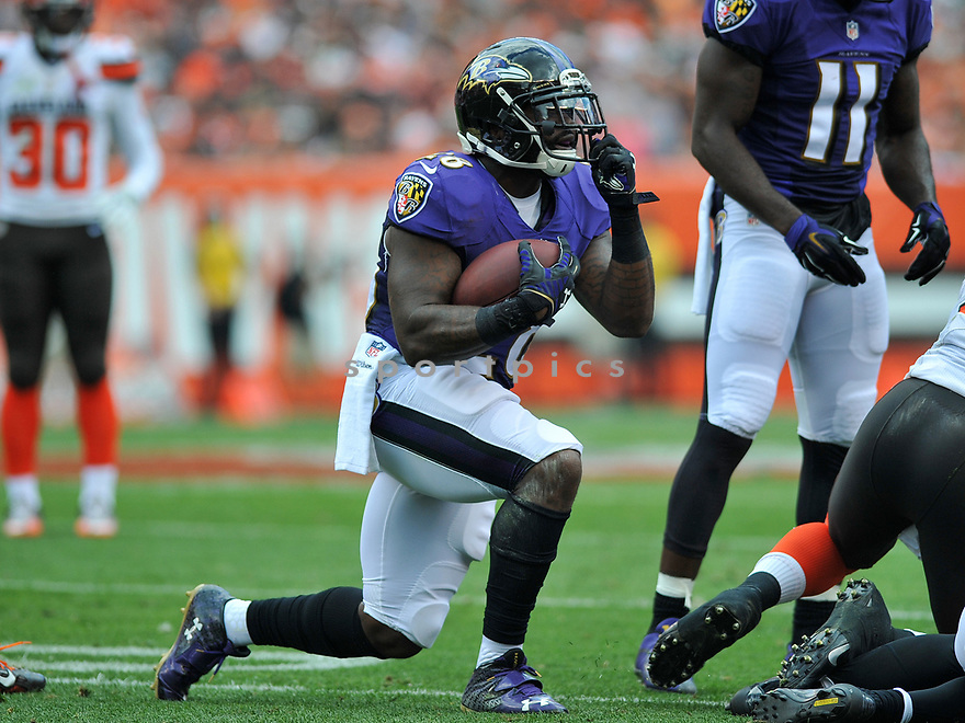 CLEVELAND, OH - JULY 18, 2016: Running back Terrence West #28 of the Baltimore Ravens gestures for a facemask call in the first quarter of a game against the Cleveland Browns on July 18, 2016 at FirstEnergy Stadium in Cleveland, Ohio. Baltimore won 25-20. (Photo by: 2017 Nick Cammett/Diamond Images)  *** Local Caption *** Terrence West(SPORTPICS)