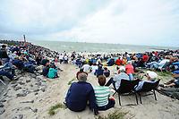 ZEILSPORT: STAVOREN: 12-08-2017, SKS Skûtsjesilen 2017, publiek, ©foto Martin de Jong