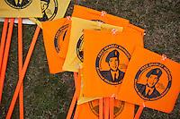 JL07 FORT MEADE (EE.UU.), 17/12/2011.- Vista de unas pancartas de apoyo al soldado estadounidense Bradley Manning, acusado de filtrar miles de documentos secretos de EEUU a WikiLeaks, en el exterior de Fort George Meade (Maryland, EE.UU.) durante el segundo día de la audiencia que se celebra contra él en Fort George Meade hoy, sábado 17 de diciembre de 2011. EFE/Jim Lo Scalzo