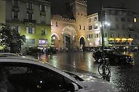 - Milano, Porta Ticinese, piazza delle colonne di San Lorenzo<br /> <br /> - Milan, Porta Ticinese, the square of San Lorenzo columns