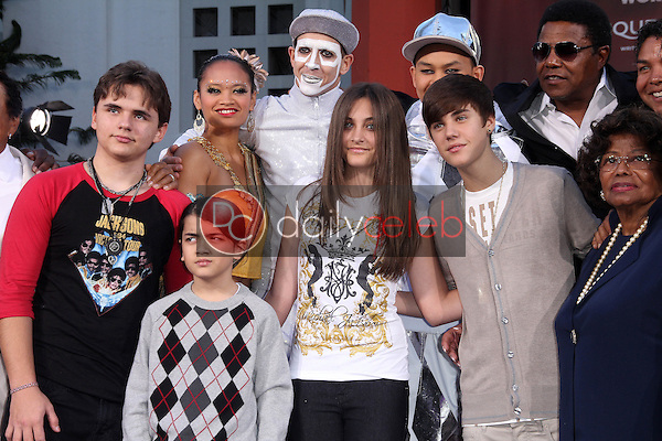 Prince Jackson, Blanket Jackson, Paris Jackson, Justin Bieber, Katherine Jackson<br /> at Michael Jackson Immortalized at Grauman's Chinese Theatre, Hollywood, CA 01-26-12<br /> David Edwards/DailyCeleb.com 818-249-4998