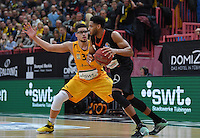 Basketball  1. Bundesliga  2016/2017  Hauptrunde  12. Spieltag  04.12.2016 Walter Tigers Tuebingen - ratiopharm Ulm Augustine Rubit (re, Ulm) gegen Isaiah Philmore (Tigers)