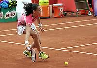 BOGOTA - COLOMBIA - 13-04-2016: Amra Sadikovic de Suiza, devuelve la bola a Marina Duque de Colombia, durante partido por el Claro Colsanitas WTA, que se realiza en el Club El Rancho de Bogota. / Amra Sadikovic of Switzerland, returns the ball to Marina Duque of Colombia, during a match for the WTA Claro Colsanitas, which takes place at Club El Rancho de Bogota. Photo: VizzorImage / Luis Ramirez / Staff.