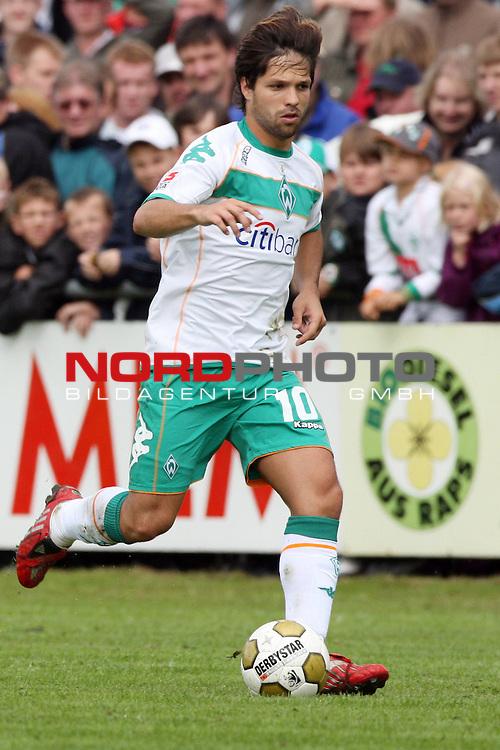 FBL 08/09 Test - BSV Kickers Emden vs. SV Werder Bremen in Loga bei Leer am 20.07.2008 1:2 (1:0)<br /> <br /> Freundschaftsspiel - Friendlymatch<br /> <br /> Diego (#10 BRA Werder Bremen).<br /> <br /> Foto &copy; nph (  nordphoto  ) *** Local Caption ***