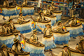 Imperatriz Leopolinense Samba School, Carnival, Rio de Janeiro, Brazil, 26th February 2017. Samba dancers wearing costukes of floating canoes to represent the sertanistas who opened up the centre of Brazil, including the Vilas Boas brothers.
