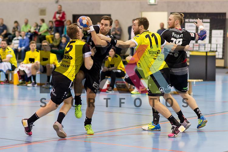 v.l. Nils Arnold (5, MSG Gross-Bieberau / Modau), Sebastian Gress (25, HC Elbflorenz 2006), Till Buschmann (11, MSG Gross-Bieberau / Modau), im Spiel HC Elbflorenz - MSG Gro&szlig;-Bieberau/Modau.<br /> <br /> Foto &copy; PIX-Sportfotos *** Foto ist honorarpflichtig! *** Auf Anfrage in hoeherer Qualitaet/Aufloesung. Belegexemplar erbeten. Veroeffentlichung ausschliesslich fuer journalistisch-publizistische Zwecke. For editorial use only.