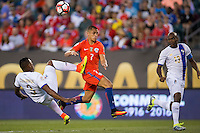 Action photo during the match Chile vs Panama, Corresponding to Group -D- America Cup Centenary 2016 at Lincoln Financial Field.<br /> <br /> Foto de accion durante el partido Chile vs Panama, Correspondiente al Grupo -D- de la Copa America Centenario 2016 en el  Lincoln Financial Field, en la foto: (i-d) Harold Cummings de Panama y Alexis Sanchez de Chile<br /> <br /> <br /> 14/06/2016/MEXSPORT/Osvaldo Aguilar.