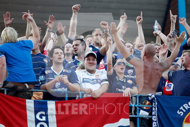 Stromsgodset's fans during UEFA Europa League third qualifying round match. July 28, 2011. (ALTERPHOTOS/Alvaro Hernandez)