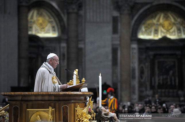Pope Francis leads the Vespers and Te Deum prayer - Luigi Di Maio (C), candidate in italian elections as Prime Minister for the Five Stars Movement, attends the Te Deum in St Peter Basilica, on December 31, 2017