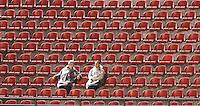SAO PAULO, SP, 29 MAIO 2013 - CAMP. BRASILEIRO - SAO PAULO X VASCO  - Torcedores do São Paulo durante partida contra o Vasco  jogo valido pela segunda rodada do Campeonato Brasileiro no Estádio Cicero Pompeu de Toledo o Morumbi, na noite desta quarta-feira, 29. (FOTO: WILLIAM VOLCOV / BRAZIL PHOTO PRESS).