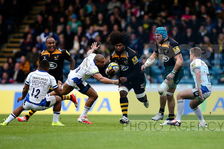 London Wasps' Ashley Johnson makes the initial break for London Wasps' Sailosi Tagicakibau's try - Rugby Union - 2014 / 2015 Aviva Premiership - Wasps vs. Bath - Adams Park Stadium - London - 11/10/2014 - Pic Charlie Forgham-Bailey/Sportimage
